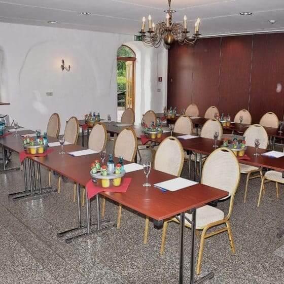 Salon von Taube