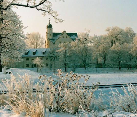 Wasserschloss im Winter