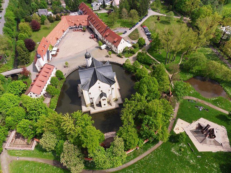 Wasserschloss Klaffenbach - Luftbild Schlossareal