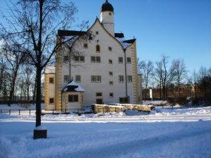 Wasserschloss Klaffenbach - Schlosshof im Winter