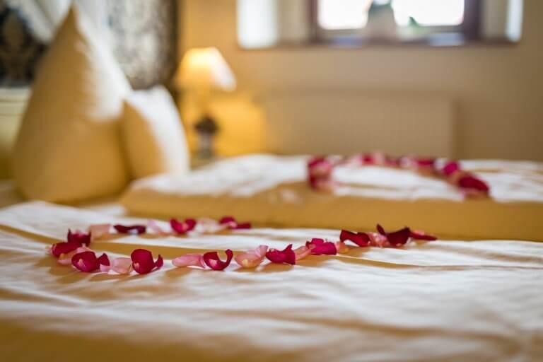 Romantische dekoriertes Zimmer auf Anfrage