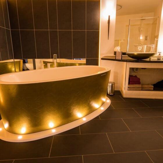 Rokoko-Suite - Goldene Badewanne