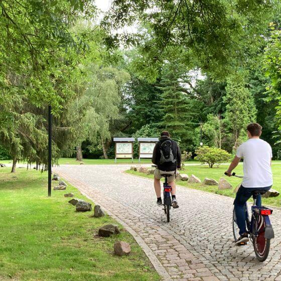 Fahrrad Fahren im Schlossareal
